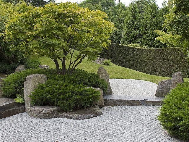 17 best images about zen garden on pinterest moss garden adachi museum and small japanese garden. Black Bedroom Furniture Sets. Home Design Ideas