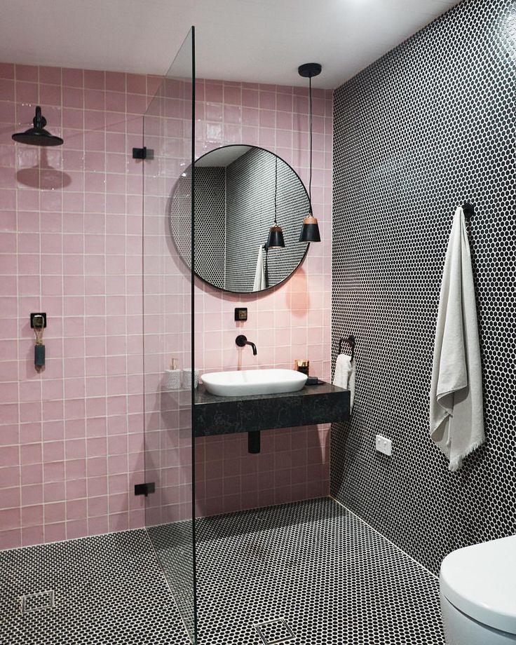 die besten 25 rosa badezimmer ideen nur auf pinterest. Black Bedroom Furniture Sets. Home Design Ideas