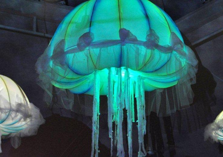 Changing color Jellyfish decor | Fiesta de Neon -Neon ...