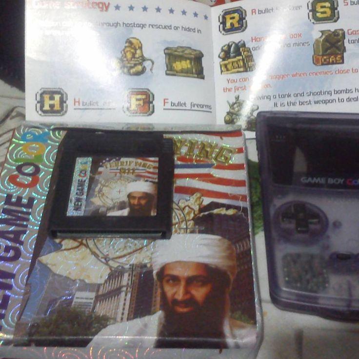 """On instagram by ustars_cat #gameboy #microhobbit (o) http://ift.tt/1XdDu2L robada de un usuario de """"El Otro Lado""""... me he partido el culo al volver a ver este juego y sí existe y además es bastante bueno.  #juego #juegos #game #gamer  #catridge #america #play #player #nintendo #wtf #lol #osama #dafuq #kawaii #xd #ioqsetio"""