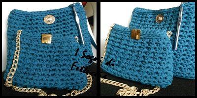 borse in lycra blu petrolio, con particolari dorati, piccola e media