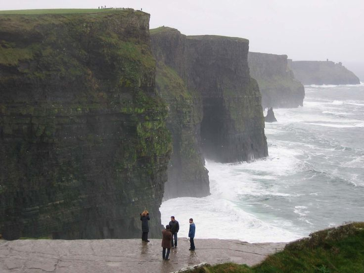 http://drax.hubpages.com/hub/Where-Should-I-visit-on-My-first-Trip-to-Ireland