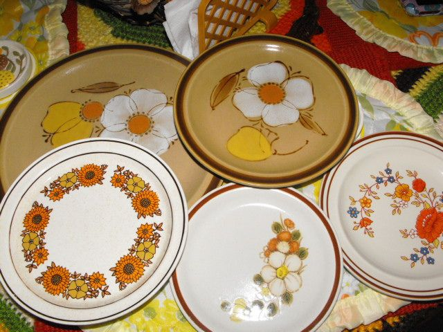 we had the one on my right with the orange flowers and my friend had the brown ones with the giant white flower!!