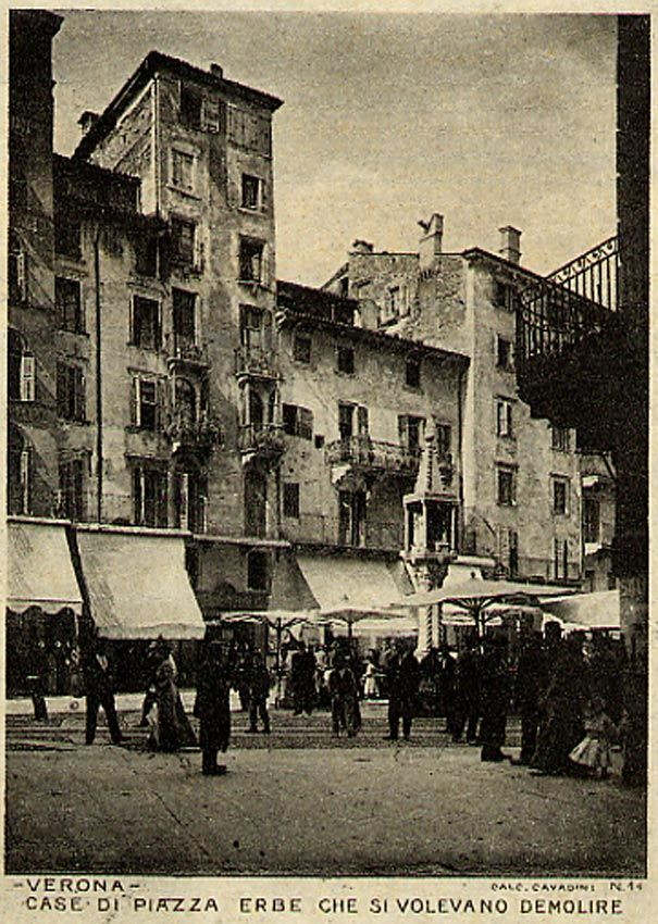 Case di Piazza Erbe che si volevano demolire http://www.veronavintage.it/verona-antica/cartoline-storiche-verona/case-piazza-erbe-si-volevano-demolire