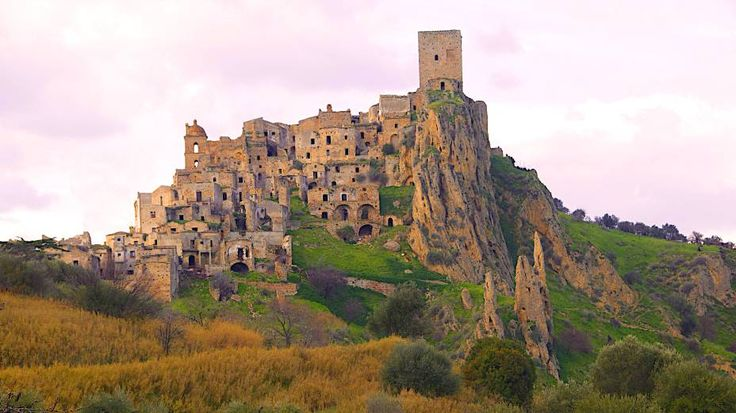 Cidade Fantasma de Craco, Itália