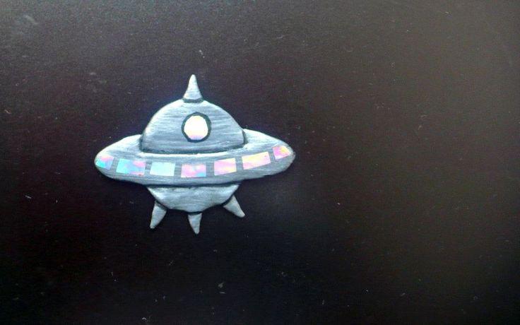 UFO brooche - Pidlimaja
