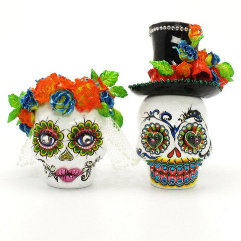 Mexican Sugar Skull Wedding Cake Toppers Dia De Los Muertos Ceramic Gothic Wedding Decor Art and Craft 00130  www.goodiemud.com