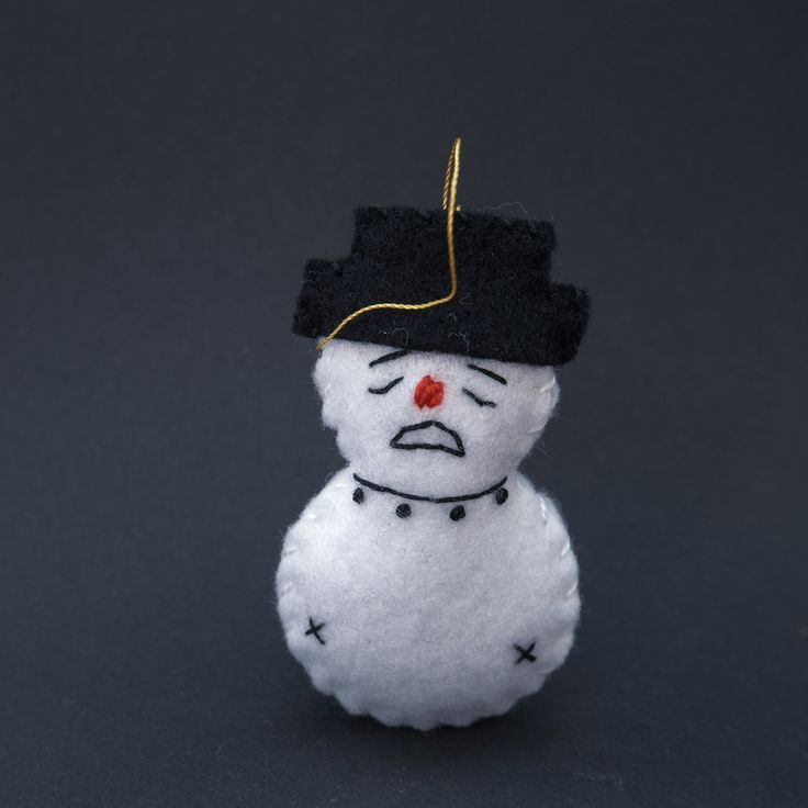Lonely snowman - xmas decor, xmas decoration, xmas ornament, xmas ornaments, christmas tree, christmas tree decor, felt ornament - by HalloweenOrChristmas on Etsy