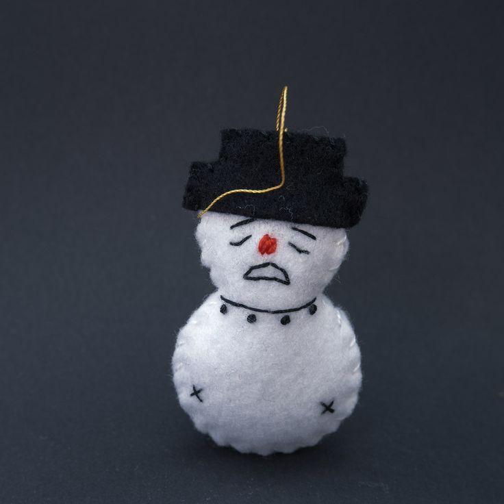 Lonely snowman - xmas decor, xmas decoration, xmas ornament, xmas ornaments, christmas tree, christmas tree decor, felt ornament - by HalloweenOrChristmas on Etsy