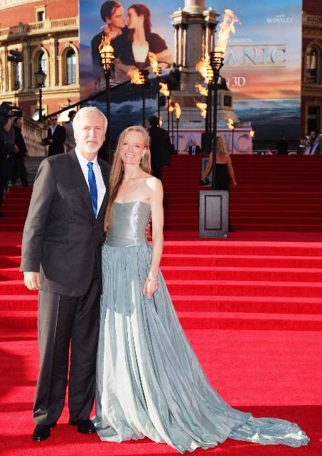Suzy Amis Cameron S Hemp Silk Green Gown Is Red Carpet