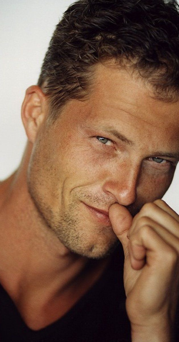 Til Schweiger, Actor: Inglourious Basterds. Actor, producer, writer, and director Til Schweiger is Germany's best-known actor and also the country's most successful director. With more than 51 Million admissions no other German filmmaker drew more people to cinemas. He runs his own production company Barefoot Films based in Berlin, Germany. Til Schweiger (born December 19, 1963) was raised along with his two brothers in his hometown Giessen...