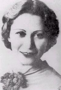 JULIA DE BURGOS       Poetisa, dramaturga y educadora puertorriqueña. Nació en el Barrio Santa Cruz, en Carolina, Puerto Rico. Falleció...