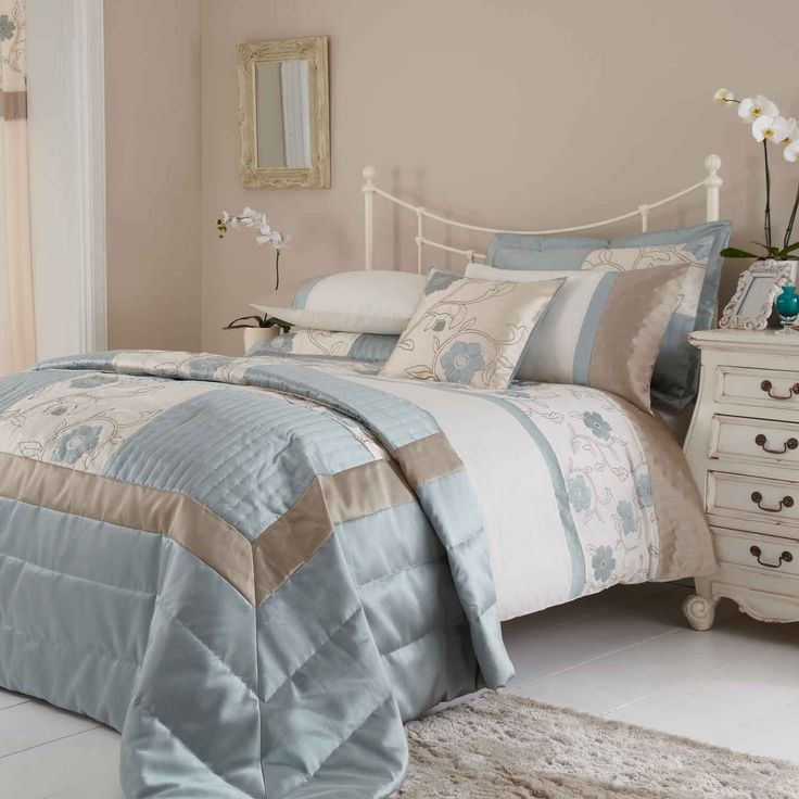 Duck egg blue and brown bedding for couple bedroom Blue and tan bedroom decorating ideas