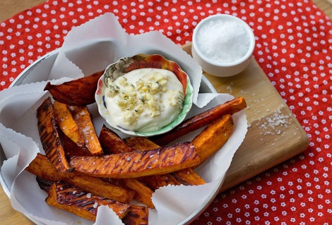 Irresistible Crispy Chipotle Sweet Potato Wedges with Blue Cheese ...