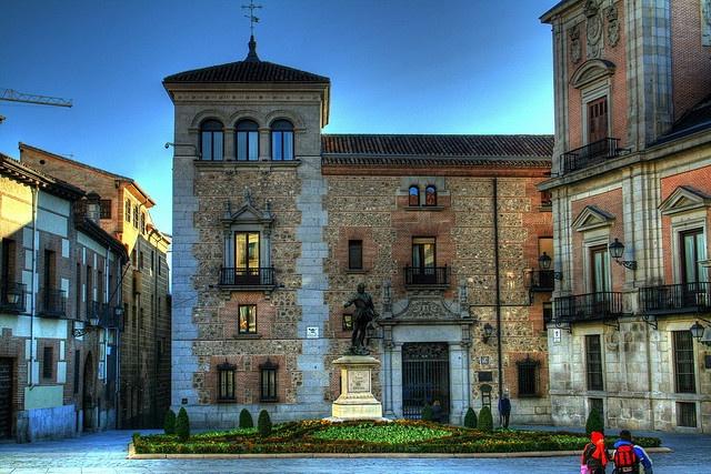 Monumento a Álvaro de Bazán, Plaza de la Villa Madrid