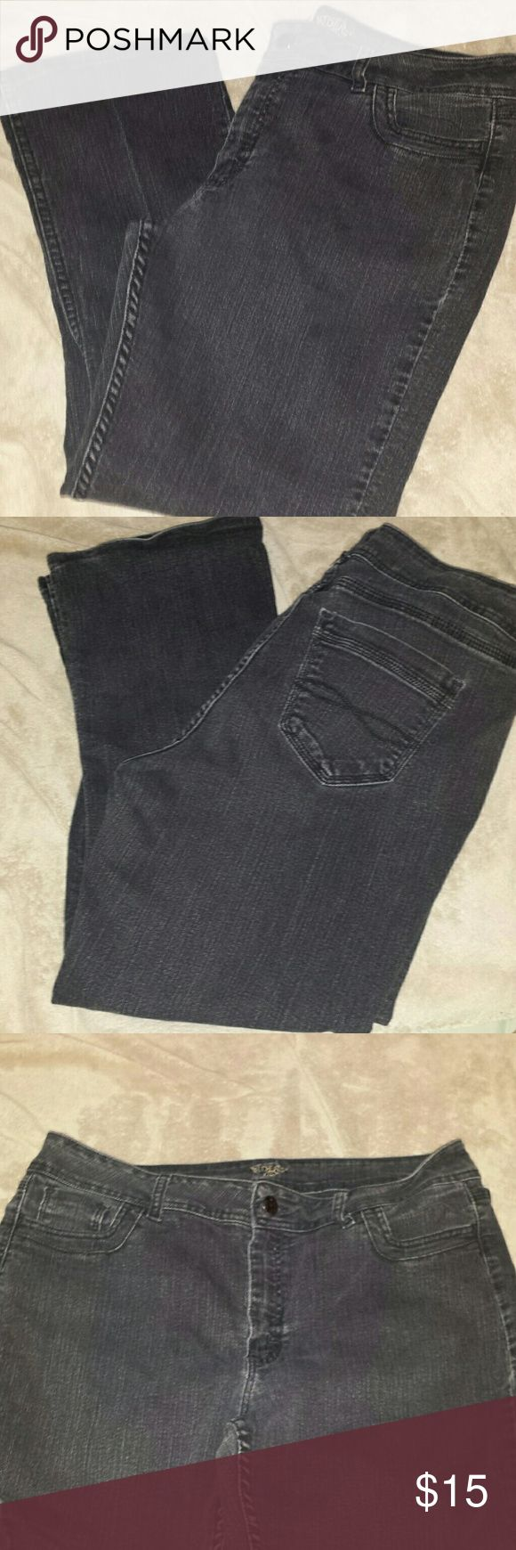 """Riders By Lee Jean's. Size 18 M. Used. Riders by Lee Woman's Jean's. Size 18M. 26"""" inseam, 18"""" waist laid flat, 10"""" rise. Lee Jeans Straight Leg"""