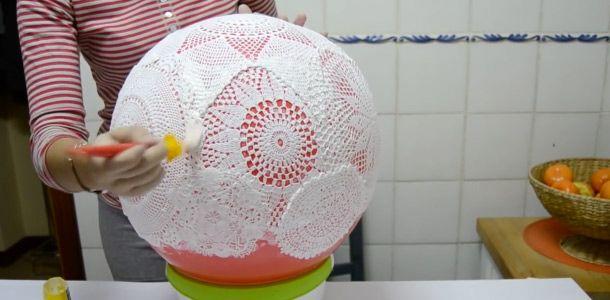 C mo hacer una l mpara con tapetes de ganchillo crochet - Como hacer lamparas ...