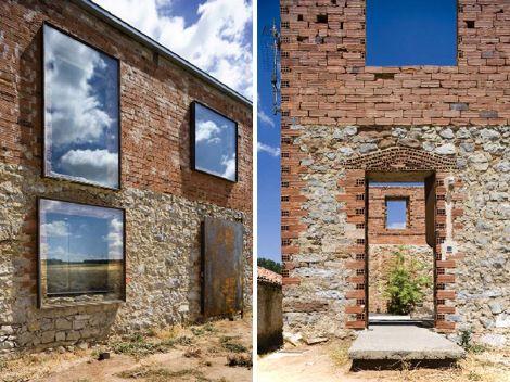 Réhabilitation d'une ruine. Acier Corten pour menuiseries extérieures. Architecte : Jesus Castillo Oli