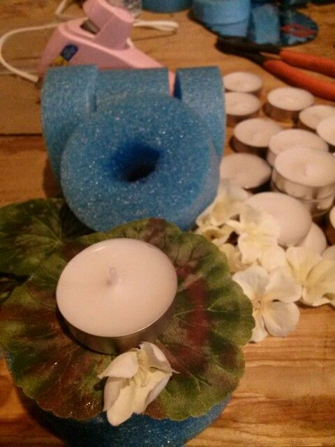Pool noodle floating candle, should use a green noodle for this project