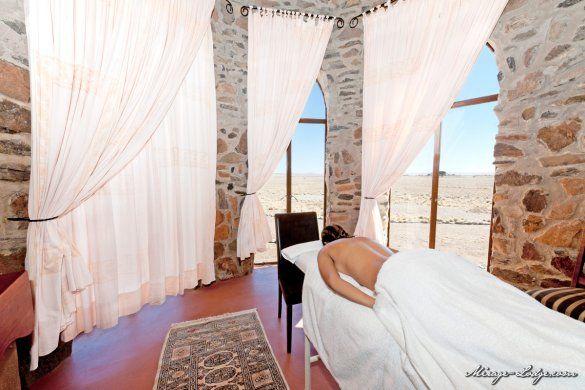 Le Mirage Desert Lodge & Spa, situata a 21km da Sesriem, nel cuore del Namib Desert perfetto punto d'accesso al Namib Naukluft Park e a Sossusvlei. - See more at: http://blog.presstours.it/2015/01/16/namibia-splendido-hotel-le-mirage-desert-lodge-spa/#sthash.TYnkPnDw.dpuf