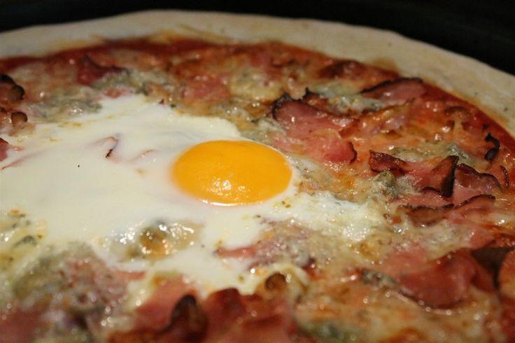 Tojásos Bismarck pizza