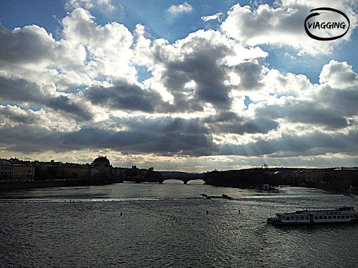 Praga: il Ponte Carlo. Scopri di più su cosa vedere a Praga: http://viagging.it/praga-mi-hai-detto-che/