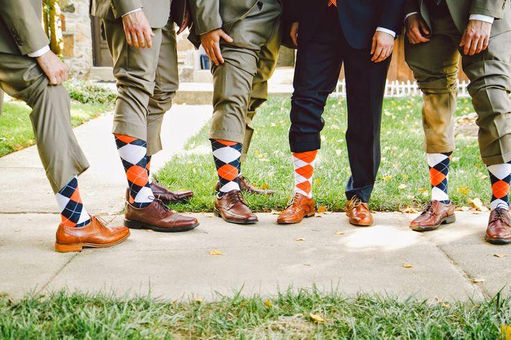 Navy Blue and Orange Wedding | Choosing Happy