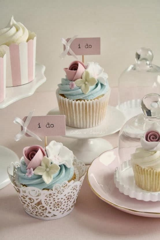 Shabby in love-too cute wedding cupcakes