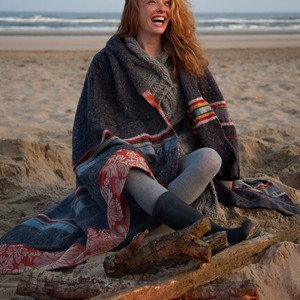 Lee Blanket, £155, now featured on Fab.