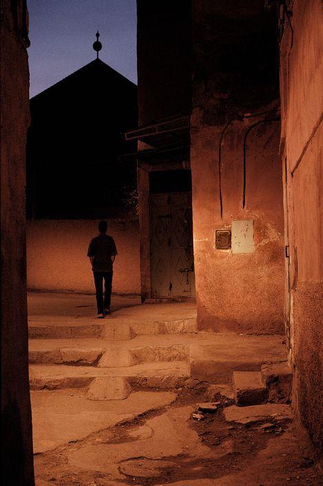 © Harry Gruyaert/Magnum Photos MOROCCO. Marrakech. Medina. 2003.