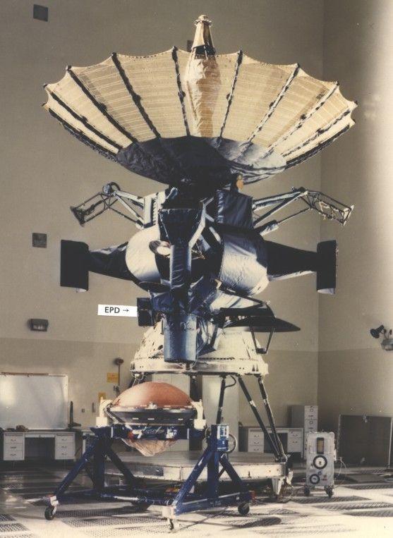 galileo space probe pics - 557×763