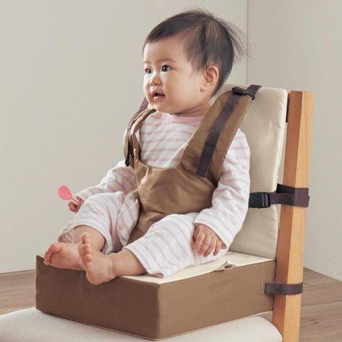 赤ちゃん連れ外食のマストアイテム、チェアベルトはこんなに便利 ... チェアベルト付き高さが変わるお食事クッション|通販のベルメゾンネット
