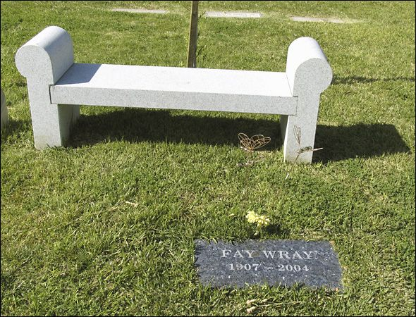 """FAY WRAY'S GRAVE  (the actress who starred in 1933's """"King Kong"""")"""