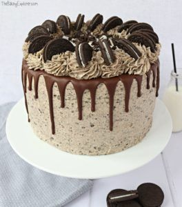 Cookies and Cream Oreo Drip Cake - The Baking Explorer