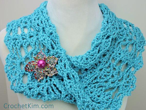 CrochetKim Free Crochet Pattern | Peacock Lace Infinity Cowl @crochetkim