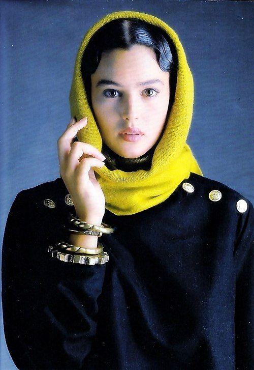Elle France 26th September 1988 Ph: Oliviero Toscani Model: Monica Bellucci scan by kelles