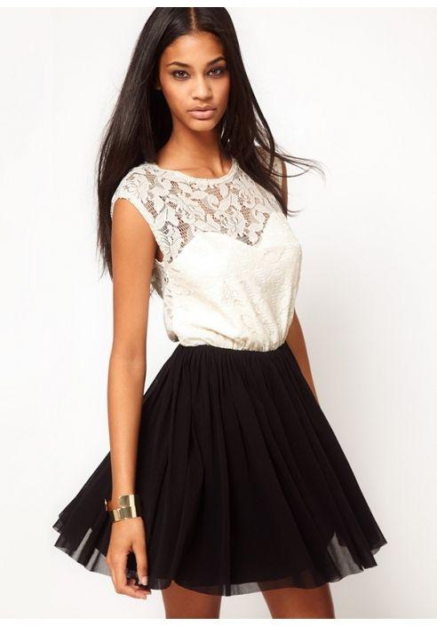 Koronkowa sukienka z tiulem Dresstination
