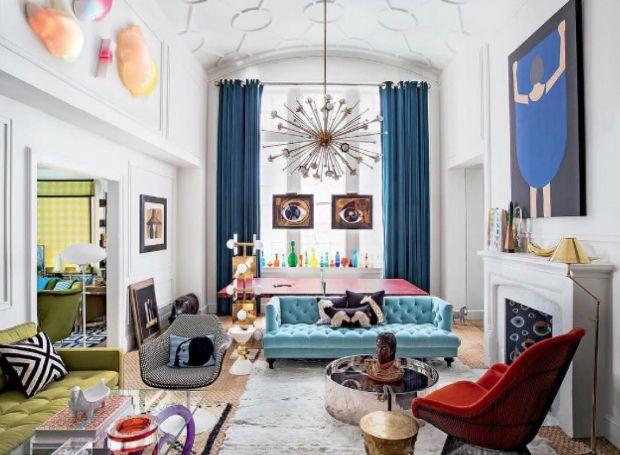 Jonathan Adler | Jonathan Adler (né en 1966 à New Jersey, États-Unis) est un potier, concepteur et auteur. Adler a lancé sa première collection en céramique en 1993 chez Barneys New York. Cinq ans plus tard, il a élargi dans l'ameublement, l'ouverture de sa première boutique éponyme à Manhattan. Ses projets de design d'intérieur reflètent sa philosophie de renommée qu'une maison devrait faire heureux son propriétaire. Il le fait par l'utilisation de couleurs vives, et des compléments de…