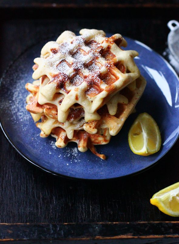 BAYADERKA- blog kulinarny: Gofry z cukrem i cytryna/ Lemon and sugar soft waffles
