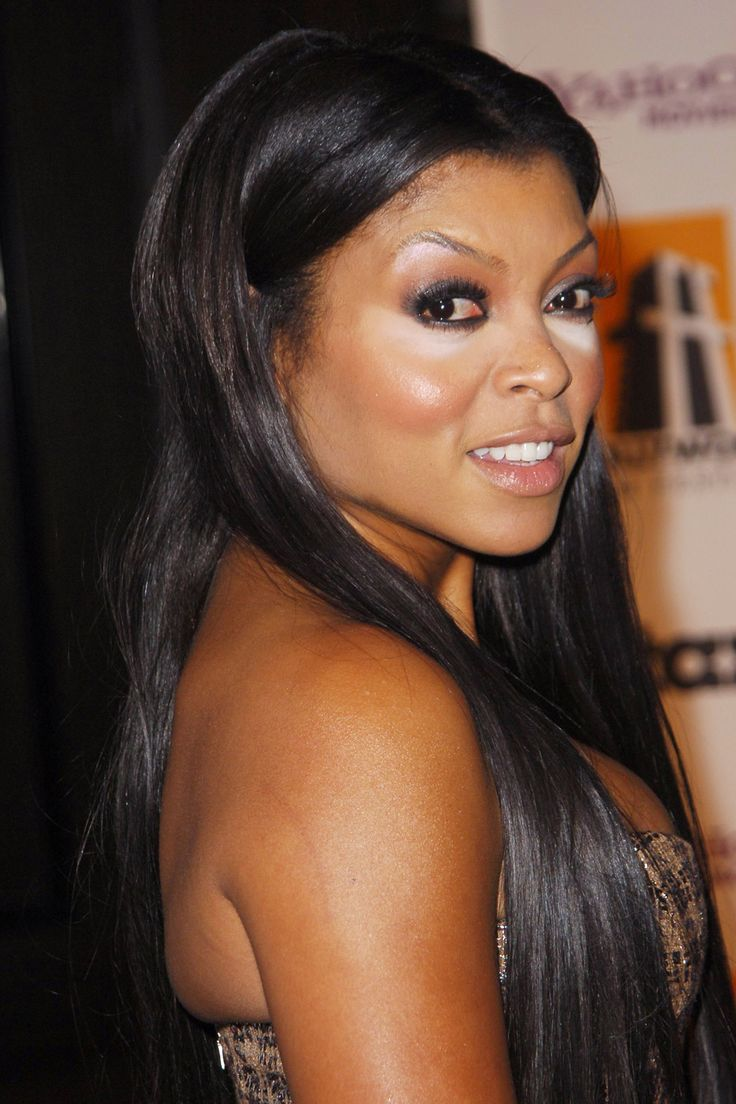 """7 Epic Beauty Blunders (& How To Avoid Them!) #refinery29  http://www.refinery29.com/makeup-mistakes#slide3  The Blunder: Concealer CatastropheThe Offender: Taraji """"Powder Puff"""" Henson  But still, there's an incredibly fine line involved with translucent powder. Use too little and you're liable to look greasy. Use too much, and chances are you'll look a bit like Casper, or Taraji P. Henson, here. Not helping the case: the too-light concealer.The Fix: It's quite easy to pick up too much ..."""