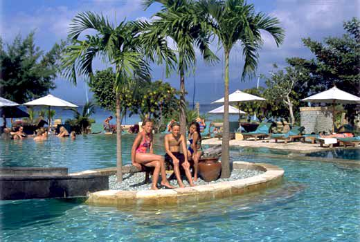 amazing honeymoon on  pool  at gili trawangan lombok