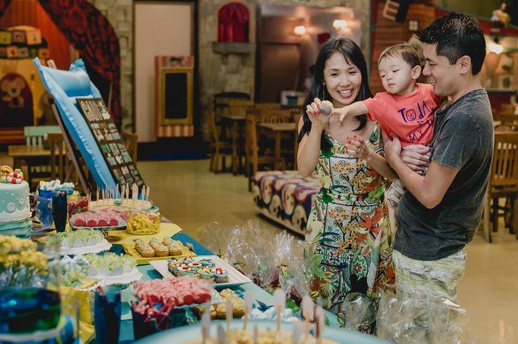 Aniversário do pequeno Caio que comemorou o seu primeiro aninho aqui no buffet infantil Miniland Tatuapé! Muita fofura rolando nessa festa!! 🌀☀️🎈   Foto e do Rafael Mirra  http://www.rafaelmirrafotografia.com.br  • Dê um like no vídeo ;D Muito obrigada! • Inscreva-se no canal: https://www.youtube.com/user/miniland  • Mais Miniland e Museu Miniland buffet • Instagram: https://instagram.com/buffetminiland Site: http://www.miniland.com.br