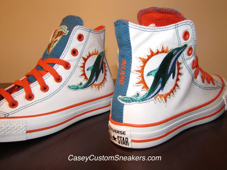 Image from http://www.caseycustomsneakers.com/news/wp-content/uploads/2015/03/Miami-Dolphins-2015-3-1024x768.jpg.