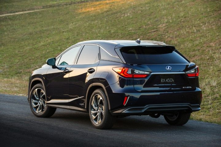 Find out which luxury SUV 2016 models are safest.