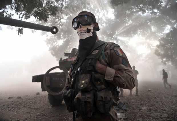 Mali: la tête de mort qui fait le buzz - Making-of / les coulisses de l'info