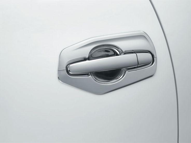 new Kijang Innova New V Lux Bensin Exterior  7