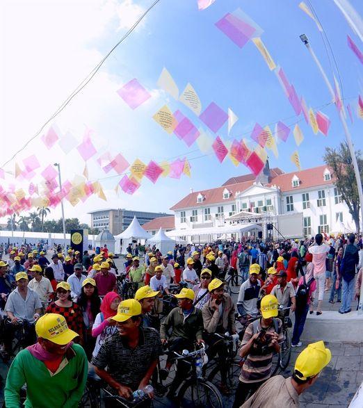 Fun bike: The Kota Tua Creative Festival intended to improve the public space in Jakarta. (Photo by Sultan Rivai)