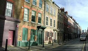In Fournier Street the houses mainly date from the 1720's and together they form one of the most important and best preserved collections of early Georgian domestic town-houses in Britain, http://bit.ly/HKWKwC. The artists Gilbert & George and Tracey Emin live on this street.