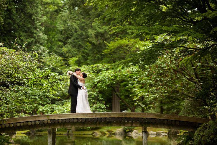 Nitobe Memorial Garden - wedding. Vancouver, BC  #Vancouver #UBC #VancouverGardens #exploreBC #veryVancouver #gardens #JapaneseGarden #exploreBCgardens #gardentourism #Canada #日本庭園