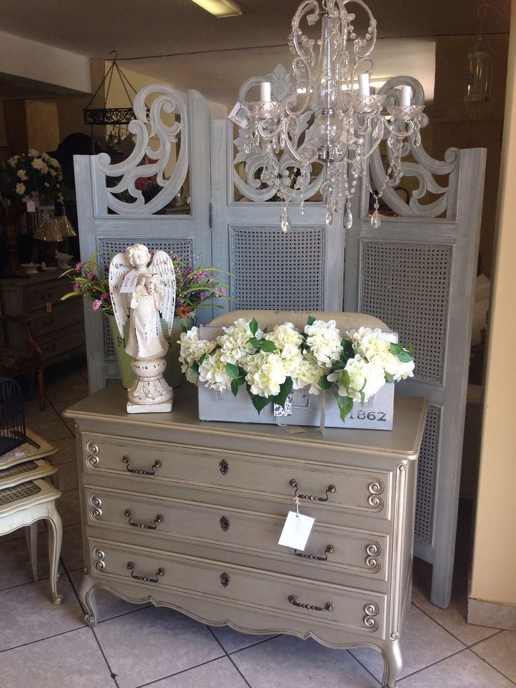 Vintage chest of drawers in german silver finish.